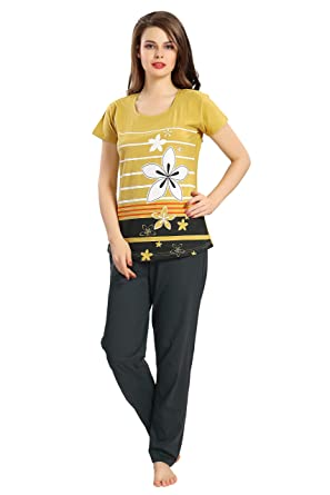 3bec2f468e AV2 Women Cotton Top   Pyjama Set  Amazon.in  Clothing   Accessories