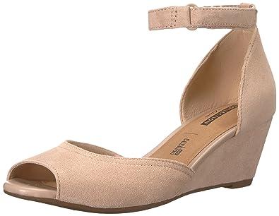 e7416e35e9e CLARKS Women s Flores Raye Wedge Sandal
