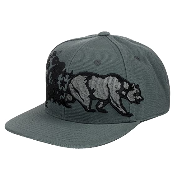 Amazon.com: 4350 District California Republic Bear Logo Flat Brim Adjustable Snapback Hat Cap - Black: Clothing
