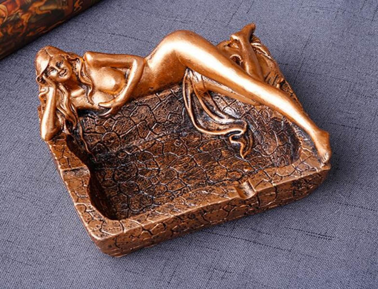 Creative Decoration Sexy Long Leg Beauty Resin Ashtray Home Decoration Hotel Living Room Trade Fair Gift Ashtray,Gold