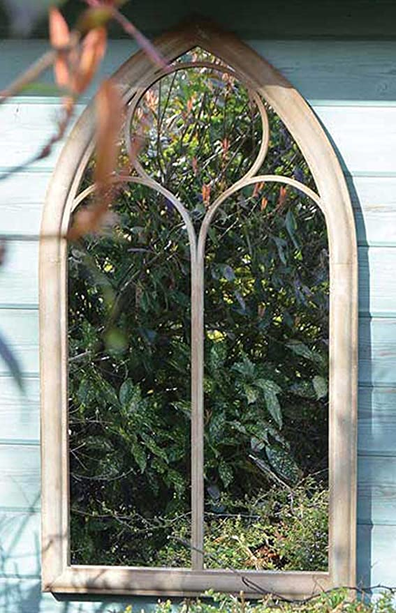 Pequeño tradicional capilla ventana diseño jardín espejo: Amazon ...