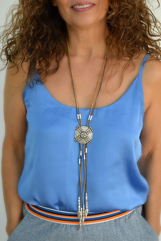 Collar largo de cuero y zamak plata estilo boho para mujer