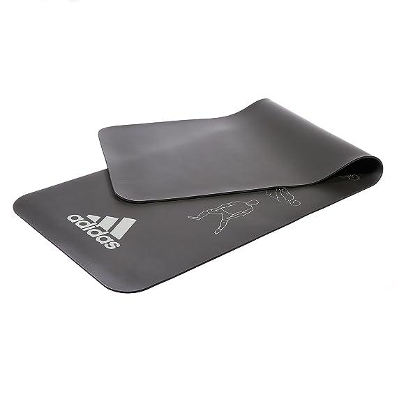 adidas Estiramiento Mat - Negro: Amazon.es: Deportes y aire ...