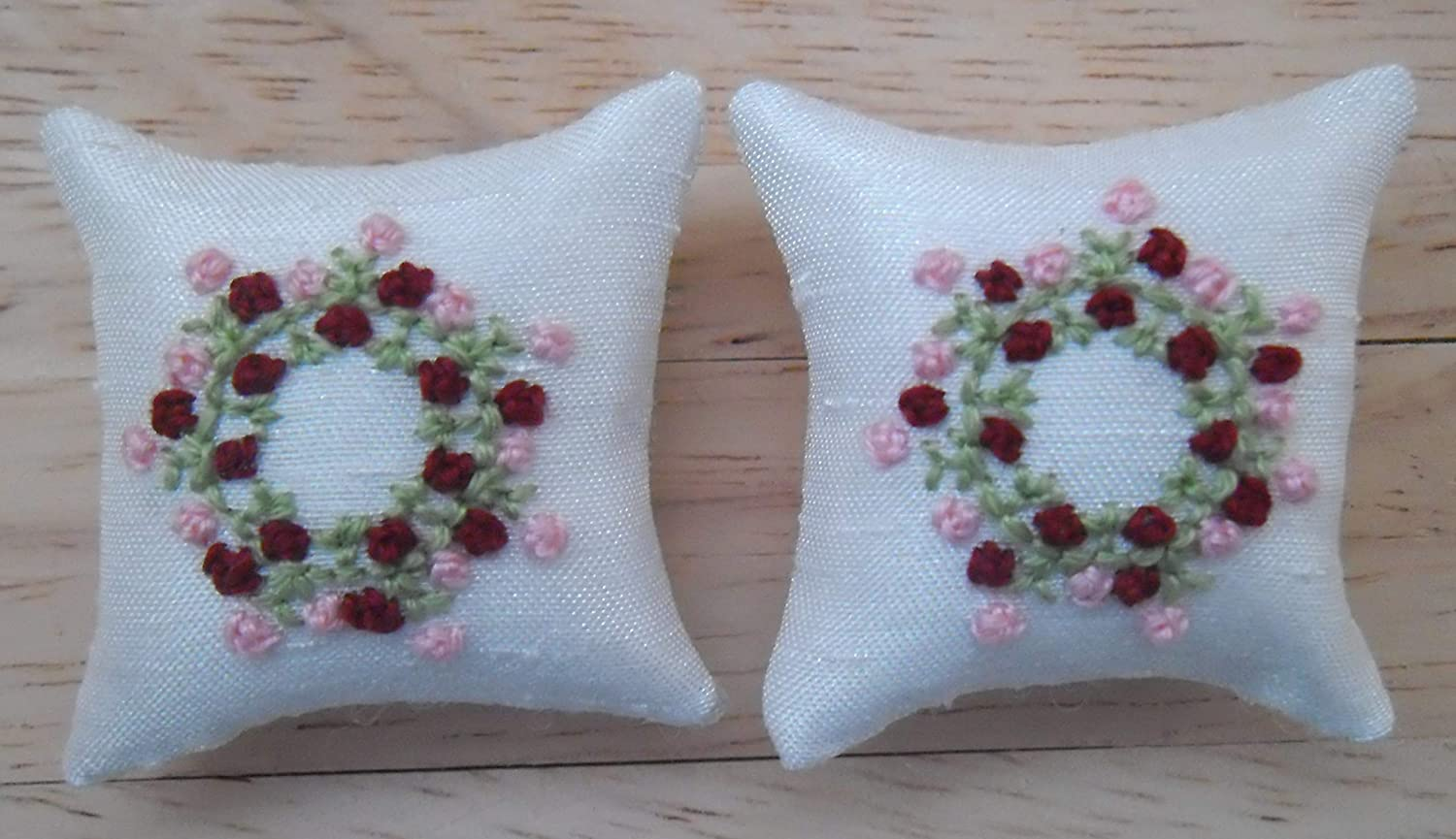 1//12th Scale Dolls House White Cushions Pink Flowers Design