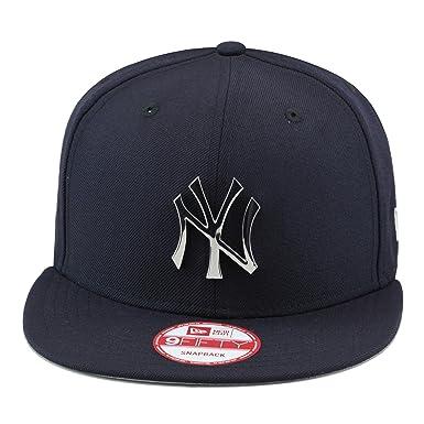 e2162bd141a36 New Era New York Yankees MLB Snapback Hat Cap Navy Metallic Silver Badge   Amazon.co.uk  Clothing