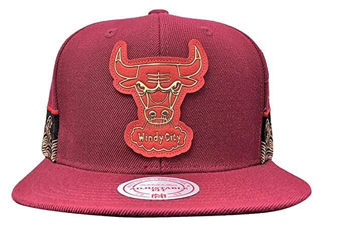 Image Unavailable. Image not available for. Color  Mitchell   Ness Chicago  Bulls Chinese New Year Snapback Burgundy 5e85e109b498