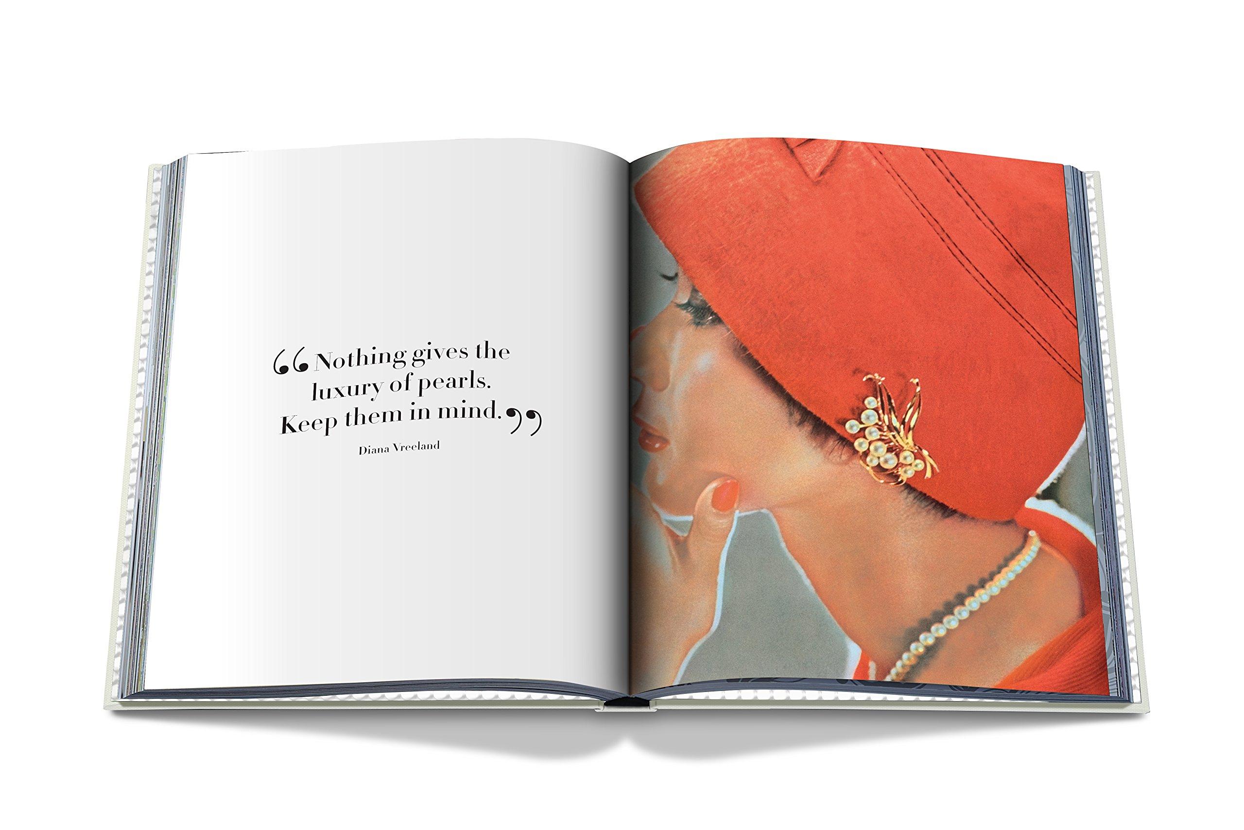 Amazon: Pearl Necklace (classics) (9781614285120): Vivienne Becker:  Books