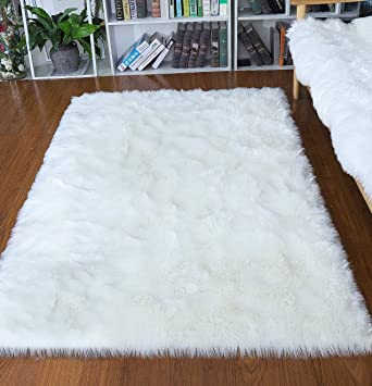 Amazon.com: junovo Luxury Fluffy Area Rugs Furry Rug for Bedroom ...