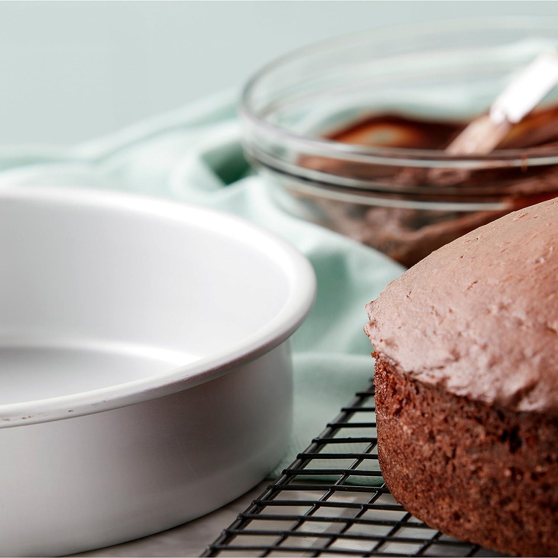 Amazon.com: Molde redondo de aluminio para tartas, de Wilton ...