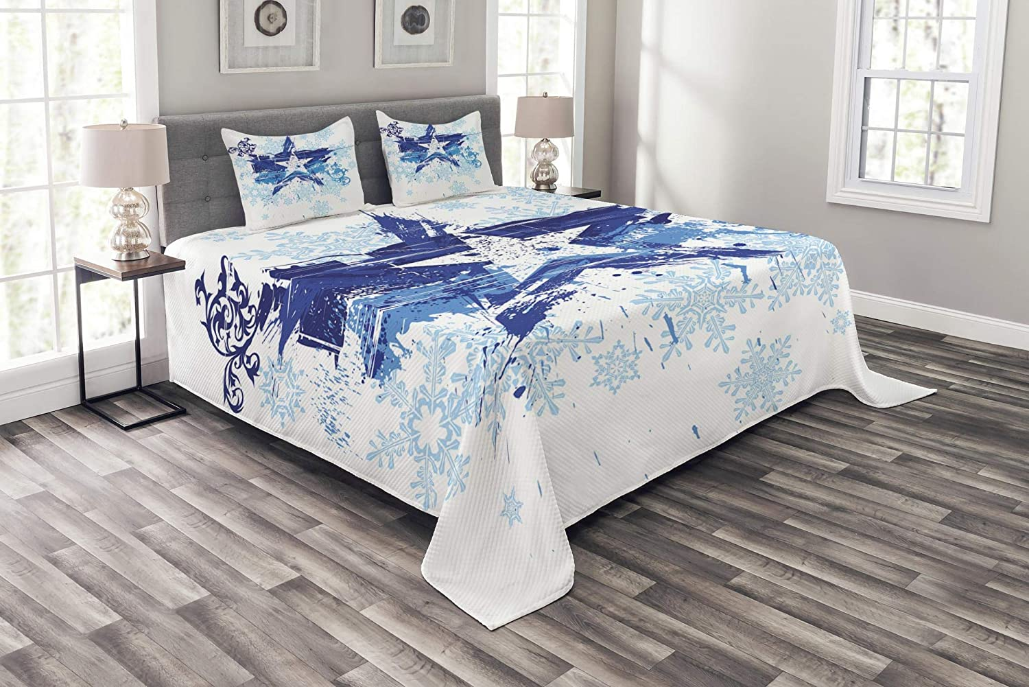 Lunarable Abstract Bedspread Set Queen Size, Grunge Star and Snowflakes on Floral Pattern Frozen Winter Theme Digital Print, Decorative Quilted 3 Piece Coverlet Set with 2 Pillow Shams, Blue and White bed_30320_queen