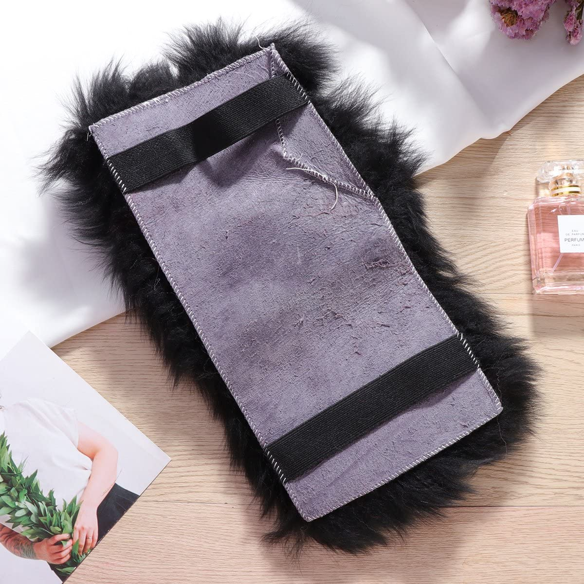 Black Auto Center Console Armrest Pad Warm Winter Fluffy Wool Vehicle Center Console Arm Rest Seat Box Pad Cover Cushion Universal Fit for Most Car