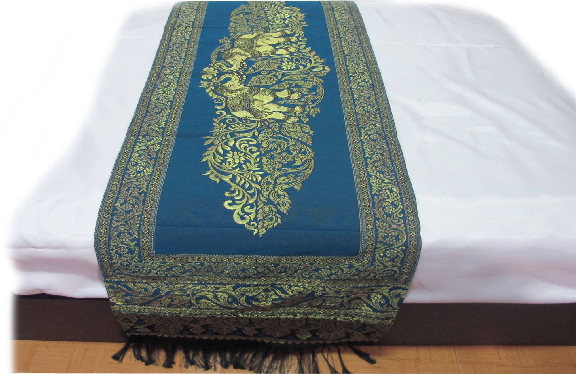 BEAUTIFUL THAI SILK TABLE/BED RUNNER by 'Smile Thailandz'