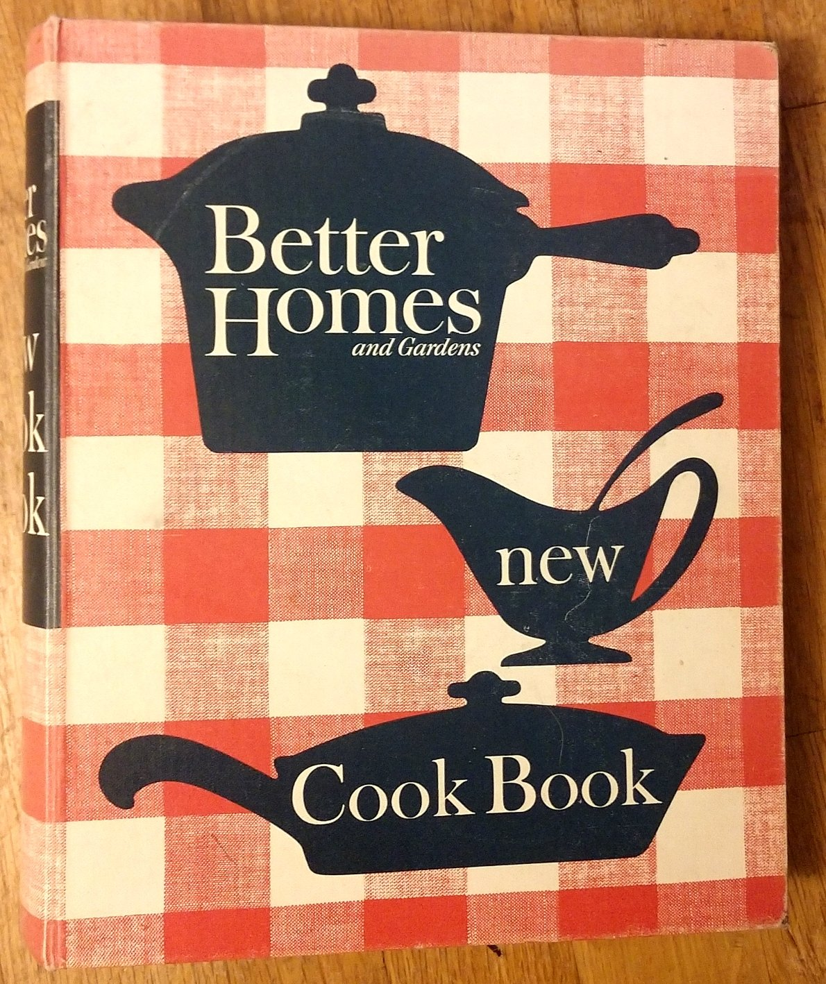 Better Homes and Gardens New Cook Book (5-Ring, 1962 Revised Edition) Ring-bound – 1962