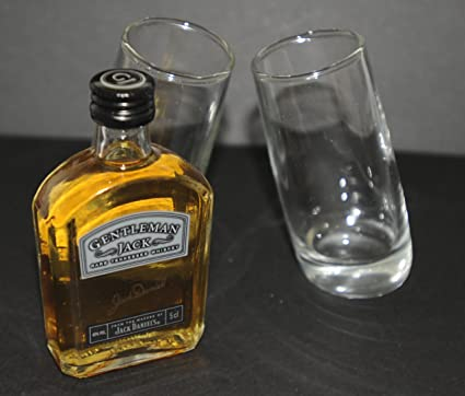 Par de nombre del evento first vasos de chupito (60 ml) con una botella