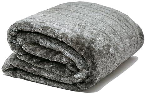 Mantas de Cama y Colchas de Sofa Mantas Piel Sintética y reverso de forro polar + Bolsa de Almacenamiento 140 x 180 cms Airee Fairee (Gris)