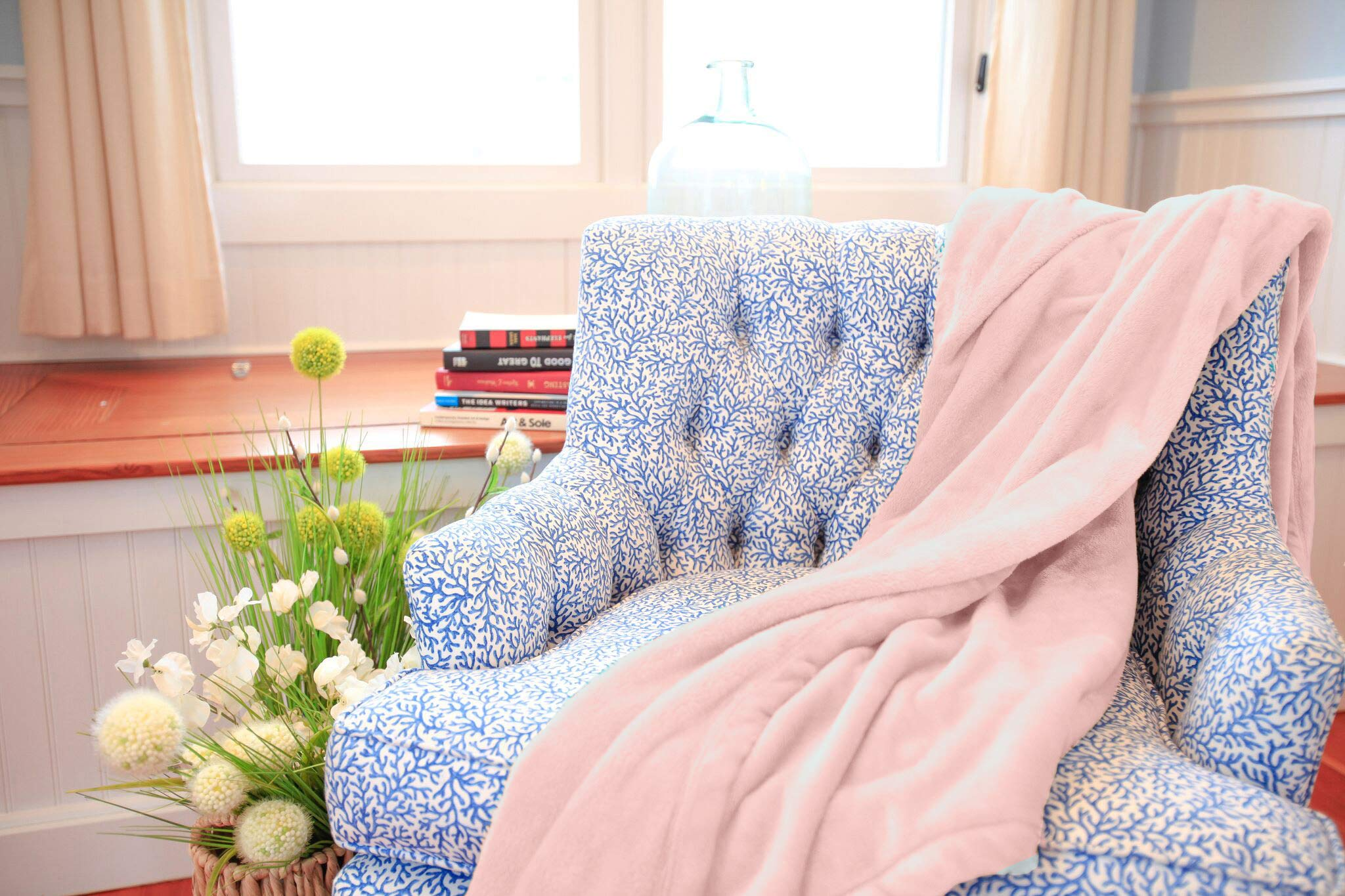 American Blanket Company, Luxurious Luster Loft Fleece Blanket, Soft and Warm Twin Blanket in Pale Pink