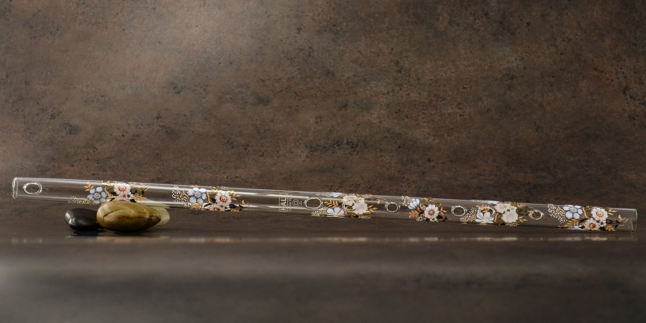 Hall Crystal Flute 22202 - Offset Glass Flute in D - Carolina