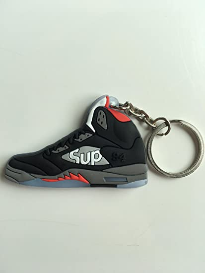 21af26310c31 Amazon.com   Jordan Retro 5 X Supreme Black Sneaker Keychain Shoes Keyring  AJ 23 OG   Sports   Outdoors