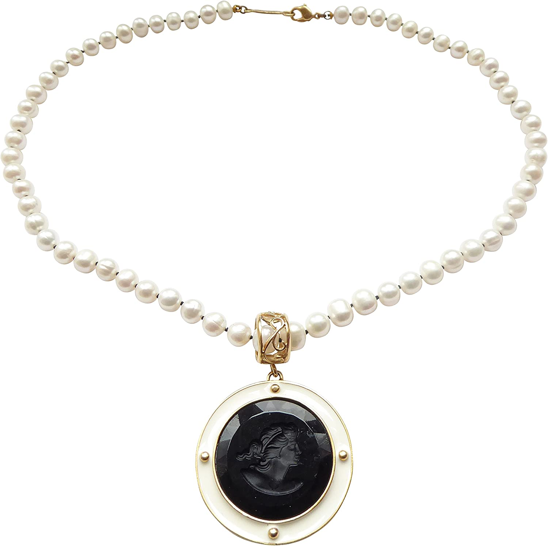 Precioso dorados perlas de agua dulce collar con colgante de cristal negro Gemme con esmalte blanco de borde de Extasia