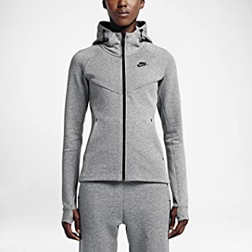 nike ensemble tech fleece