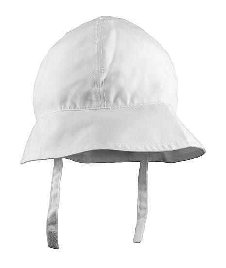Amazon.com  Baby Classic White Bucket Hat with Chin Strap - UV 50+  ... 9c631360d60