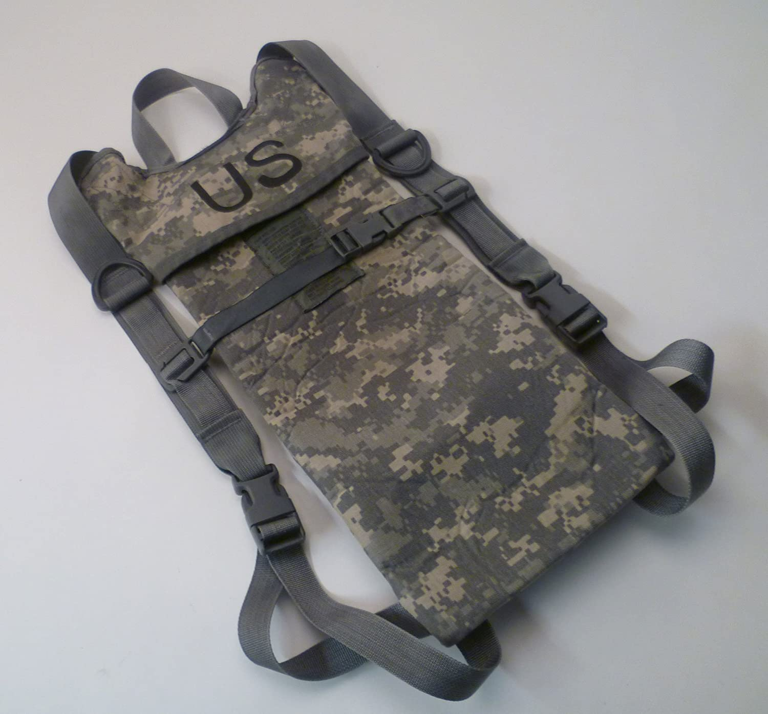 amazon com molle ii hydration pack carrier ucp urban camo