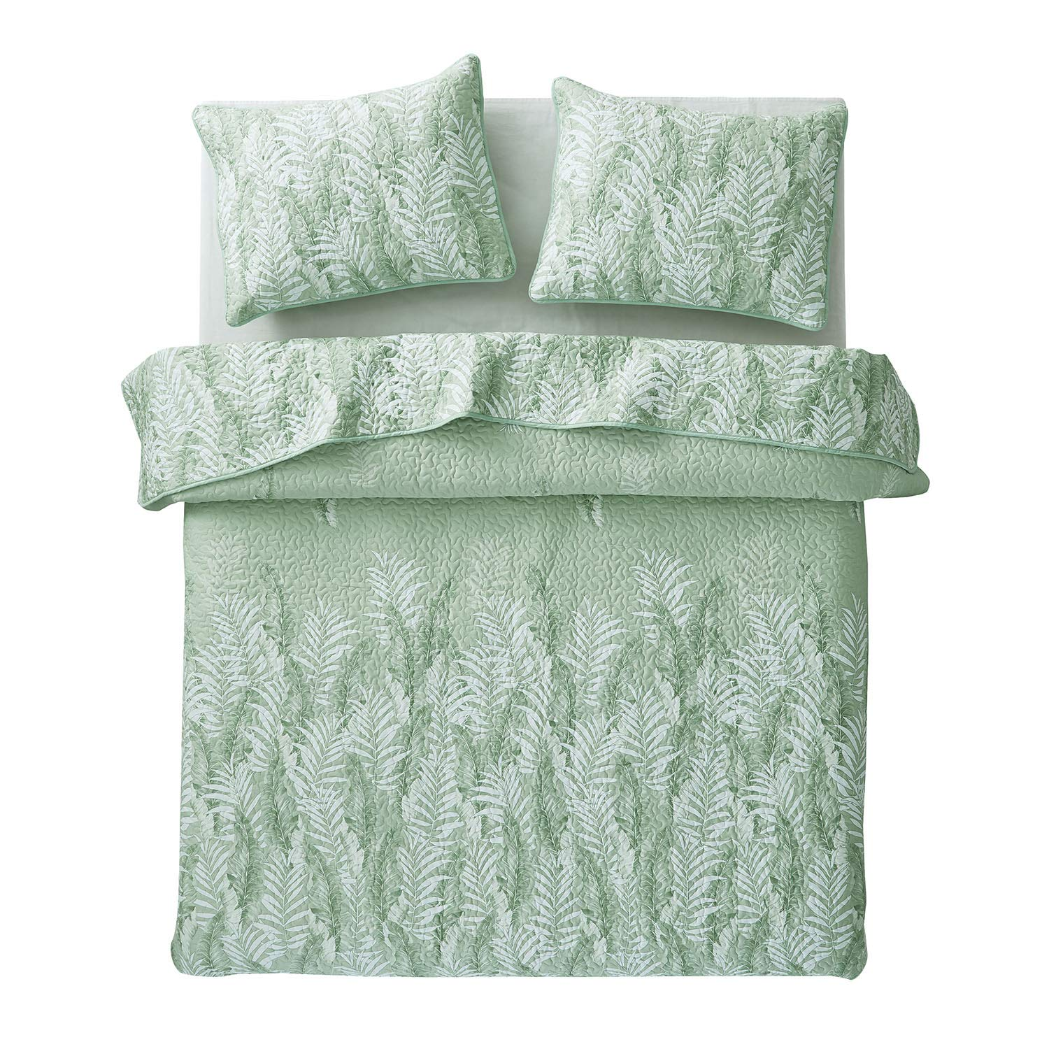 Wake In Cloud - Leaves Quilt Set, Tropical Palm Tree Banana Tree Leaf Pattern Printed in Green White, 100% Cotton Fabric with Soft Microfiber Inner Fill Bedspread Coverlet Bedding (3pcs, Queen Size)