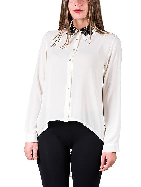 Blusa in doble georgette, silueta blanda y amplia, flores bordados de encaje