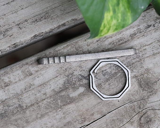 Amazon.com: Zoe Zuckerberg - Clip de titanio para llavero ...