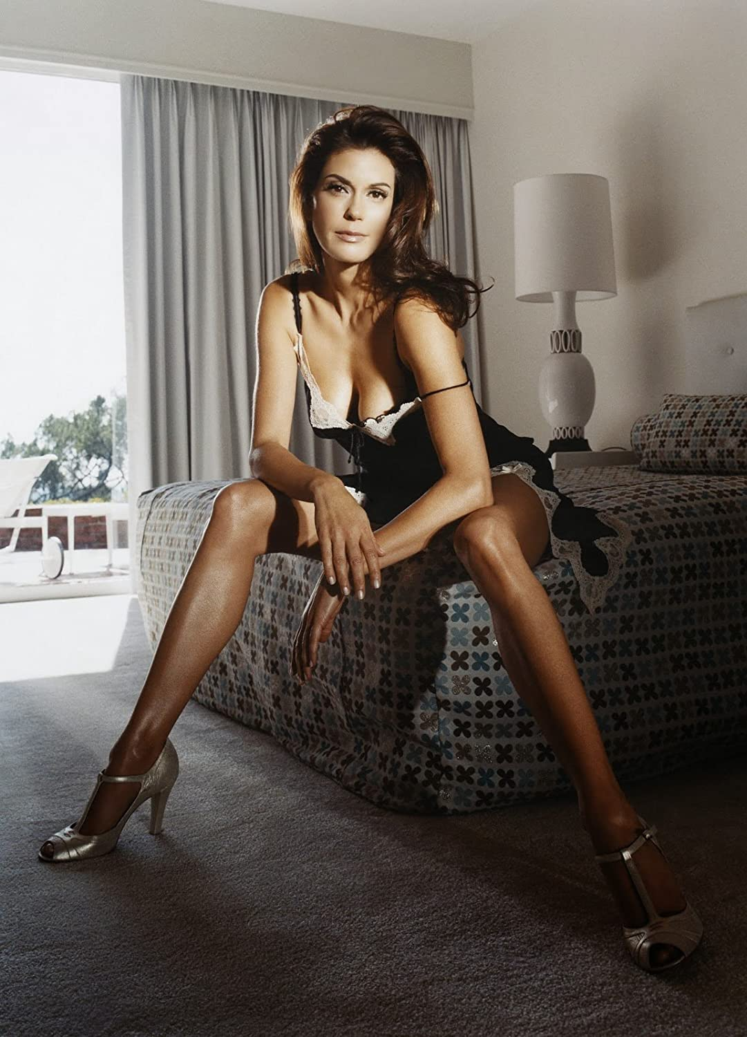 Teri Hatcher Sexy Hot Modeling 8 Inch X 10 Inch Photograph At