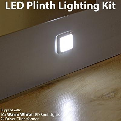 10x Mini Plinth kit d'éclairage à LED carré–Finition en acier inoxydable–Faisceau Blanc chaud–Salle de Bain et cuisine Plinthe/panneau de planch