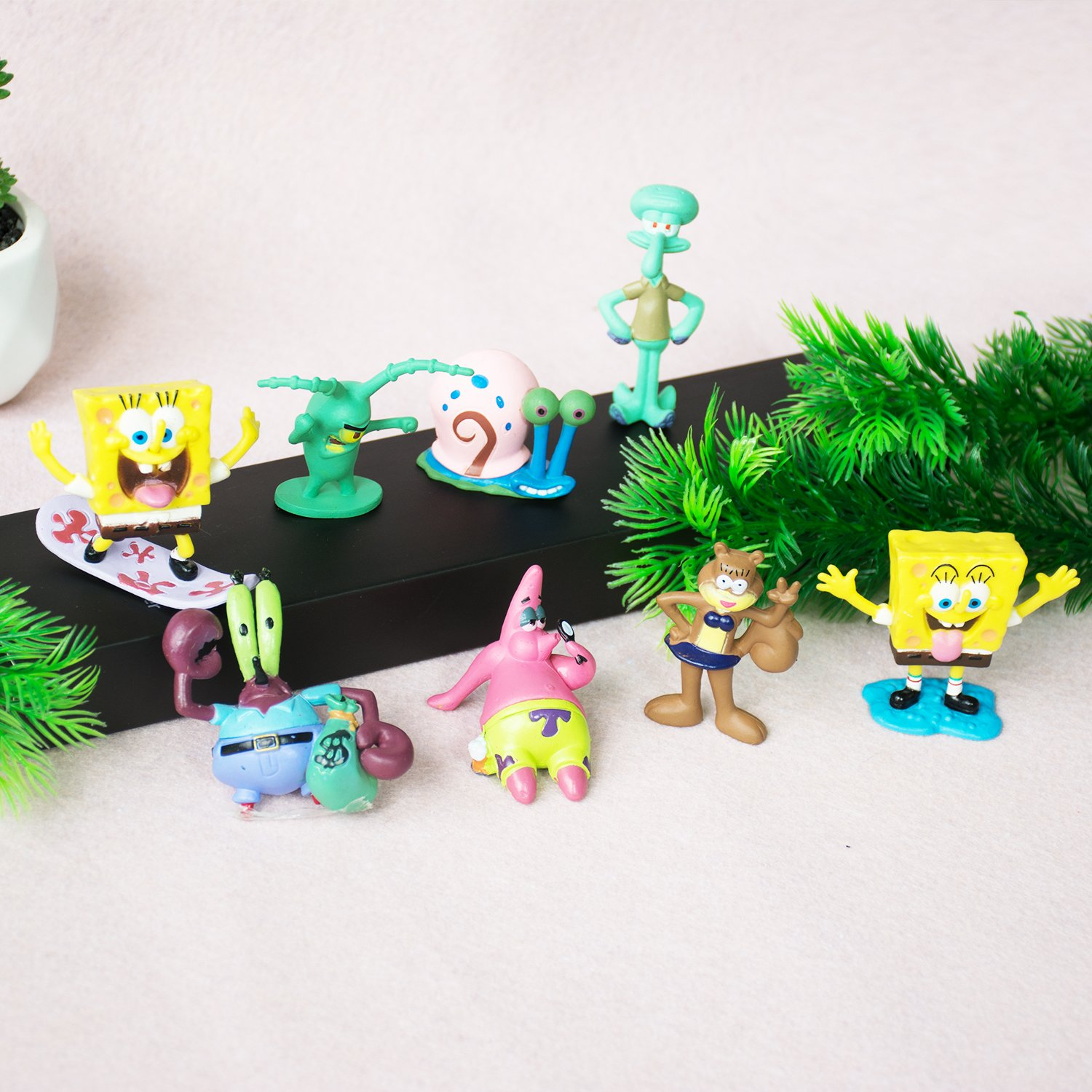 MagicDesign Spongebob 8 Piece Collection Party Decorations in Nice Package …