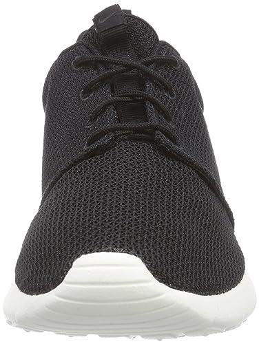 huge selection of b539d b3424 Amazon.com   Nike Men s Roshe Run   Fashion Sneakers