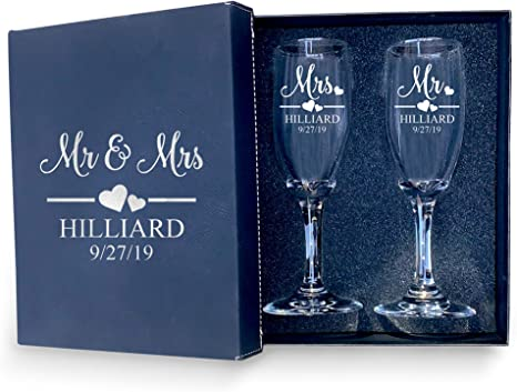 Personalised Bride and Groom Wine Glasses Set Mr and Mrs Wedding Gift Wedding Party Gift Idea Set of 2 Custom Wedding Glasses for Couple