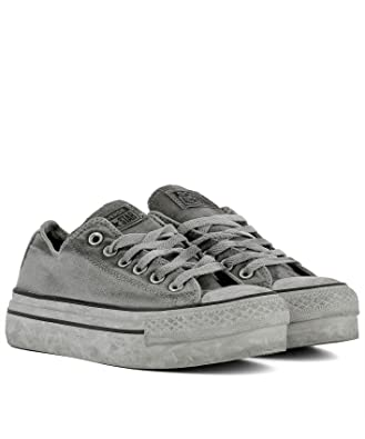 e85b88b54e0e Converse Women s 558452C Grey Fabric Sneakers  Amazon.co.uk  Shoes   Bags