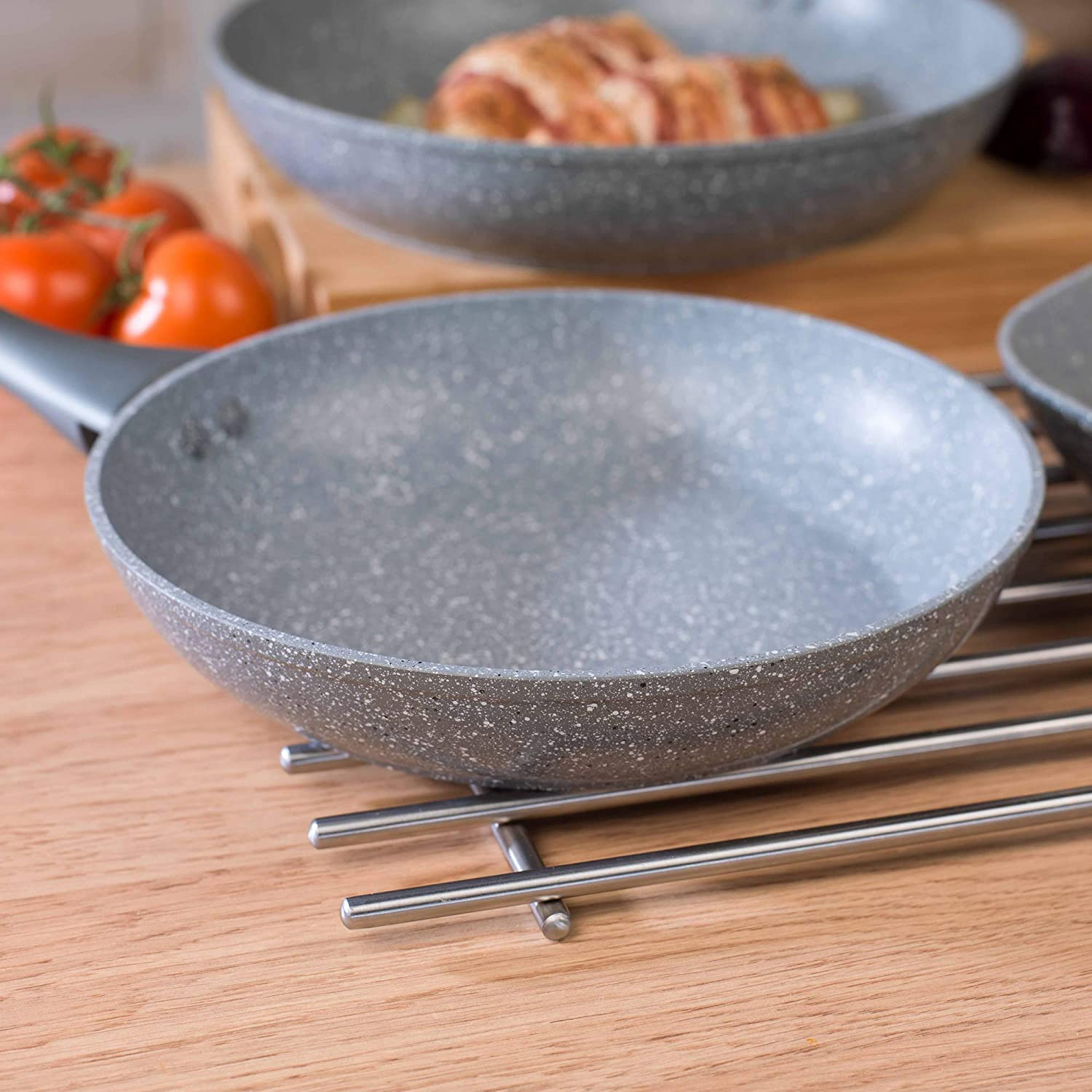 20 cm Salter BW02762 Marble Collection Forged Aluminium Non Stick Frying Pan Grey