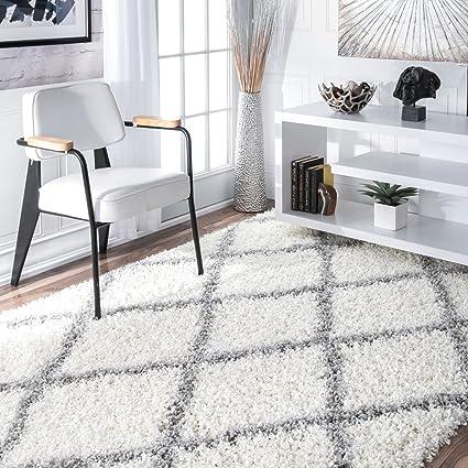 Amazon nuLOOM Cozy Soft and Plush Diamond Trellis Shag Area Rug