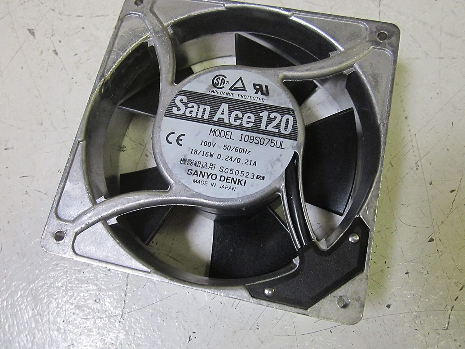 Sanyo Denki 109s075ul San Ace 120 Fan 100vnew Out Of A Box Amazon Com Industrial Scientific