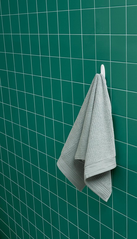 Amazon.com: Command Designer Bath Hooks, Medium, White, 2-Hooks with ...