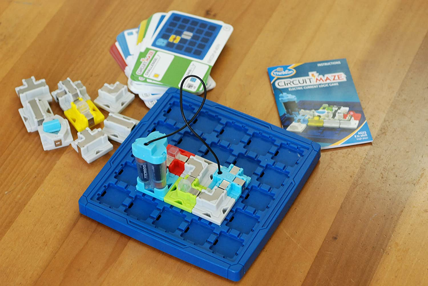 ThinkFun Circuit Maze Electric Current Logic Game and STEM Toy for Boys and  Girls Age 8 and Up - Toy of the Year Finalist, Teaches Players about