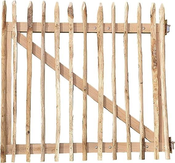 Puerta de madera de castaño – Valla de Estacas en punta. de gran ...