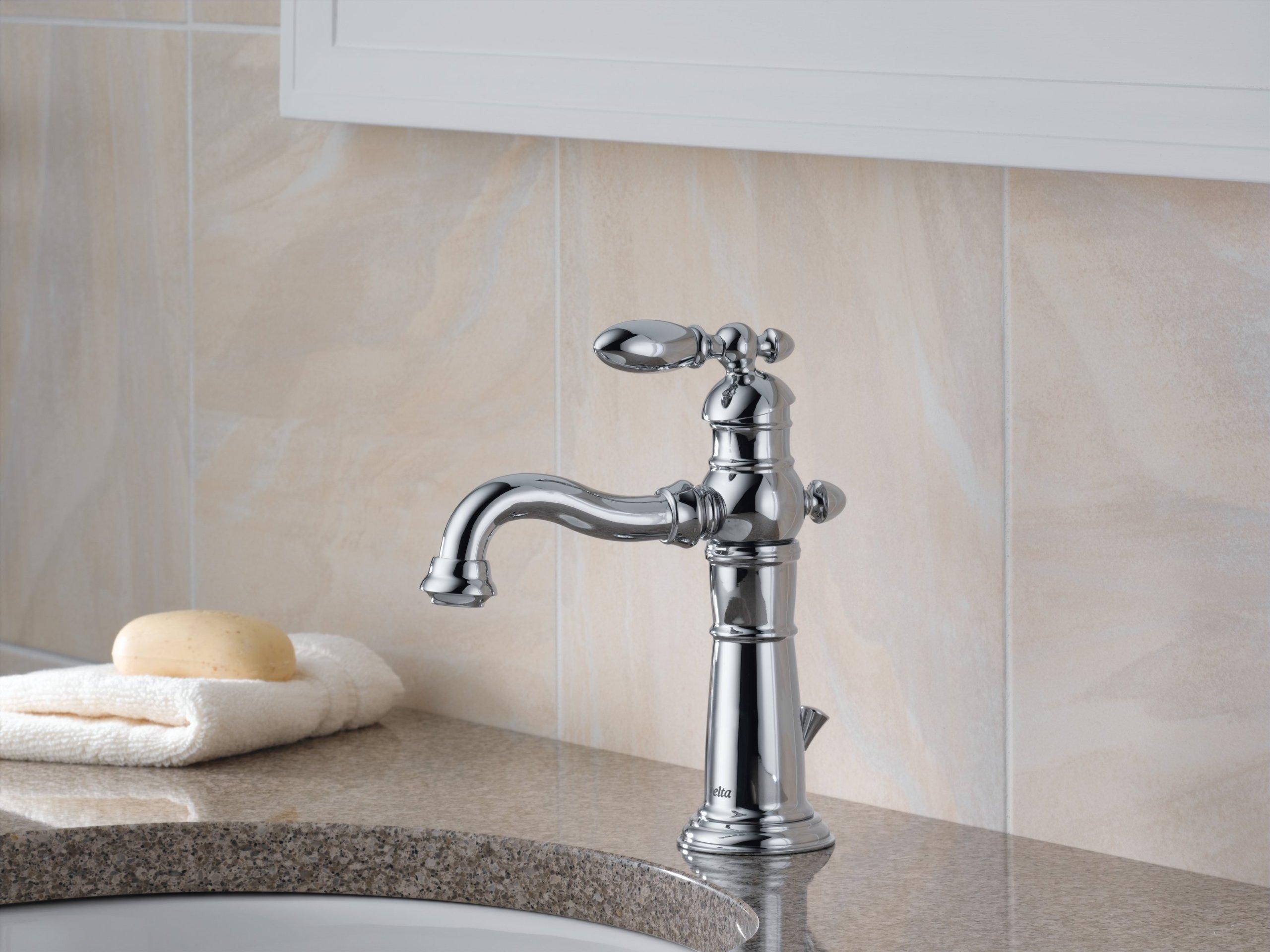 Delta Victorian 555lf Single Handle Centerset Bathroom: Delta 555LF Victorian Single Handle Centerset Bathroom