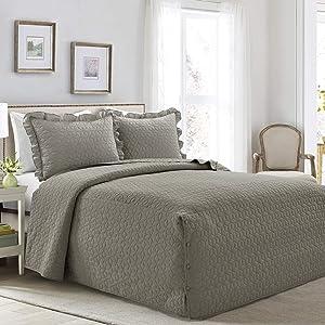 Lush Decor French Country Geo Ruffle Bedding, 3-Piece Bedspread Set (Queen, Dark Gray)