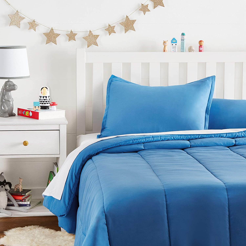 AmazonBasics Kid's Comforter Set – Soft, Easy-Wash Microfiber – Full/Queen