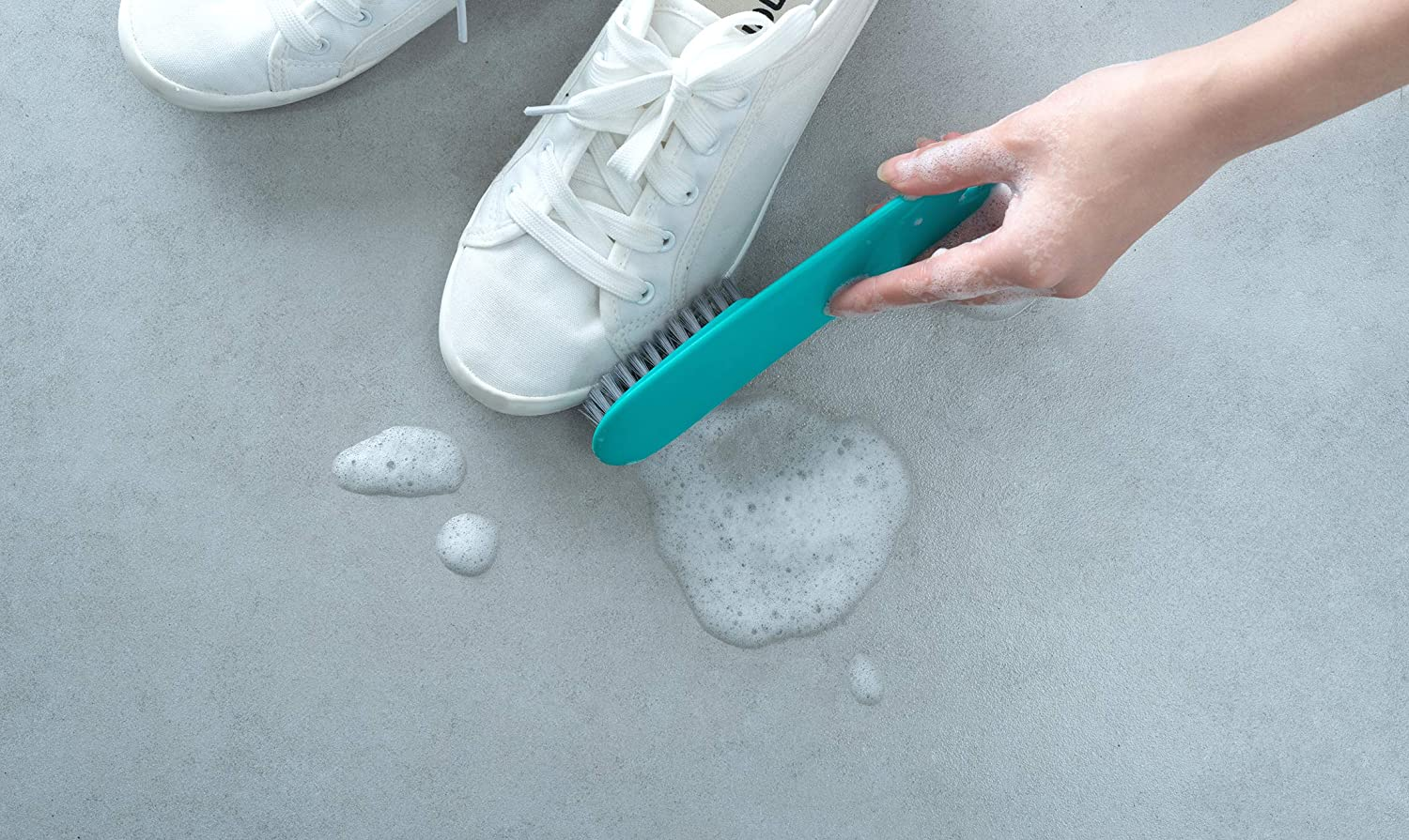 Pioneer Clan 2 Pcs Green /&White Plastic Handle Clothes Cleaner Shoes Scrubbing Cleaning Brush