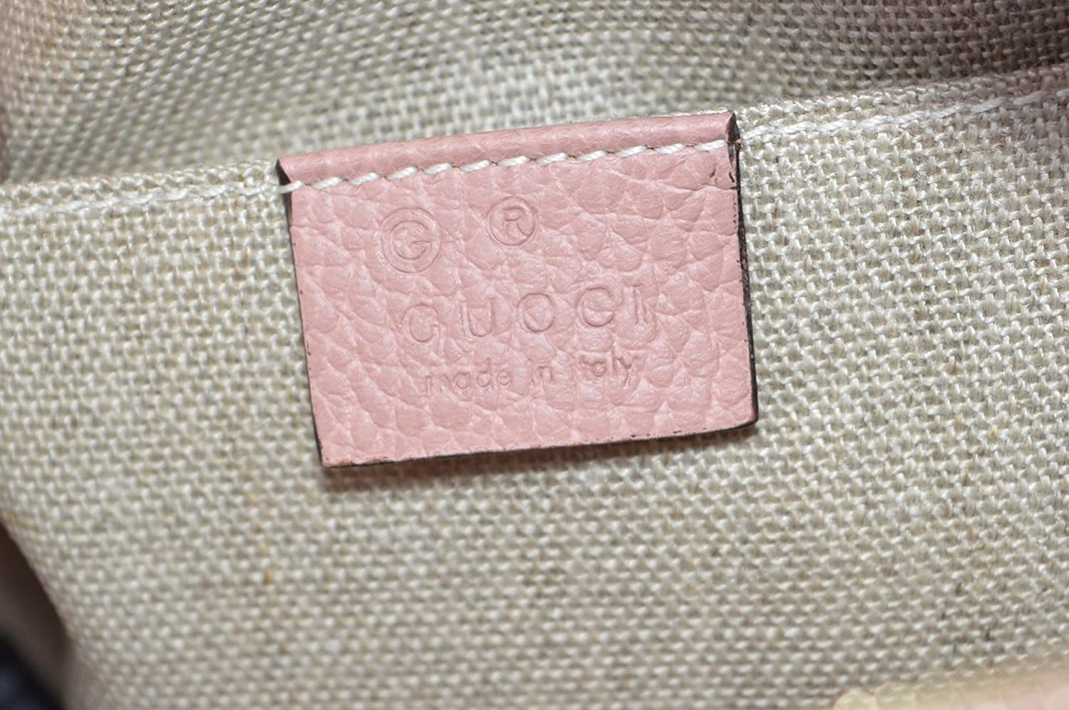 20aacd23d27 Gucci Women s Beige Pink Canvas Leather GG Guccissima Bree Crossbody Purse   Amazon.ca  Shoes   Handbags
