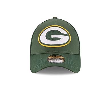 new arrivals 554be 0ed44 Amazon.com   NFL Mega Team 39THIRTY Stretch Fit Cap   Clothing