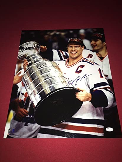 Image Unavailable. Image not available for. Color  Autographed Messier  Photo - 16x20 Stanley Cup ... da407346c