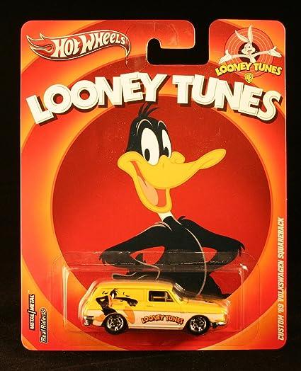 82ddd8db3 Amazon.com  CUSTOM  69 VOLKSWAGEN SQUAREBACK DAFFY DUCK   LOONEY TUNES Hot  Wheels 2012 Pop Culture Series 1 64 Scale Die-Cast Vehicle  Toys   Games