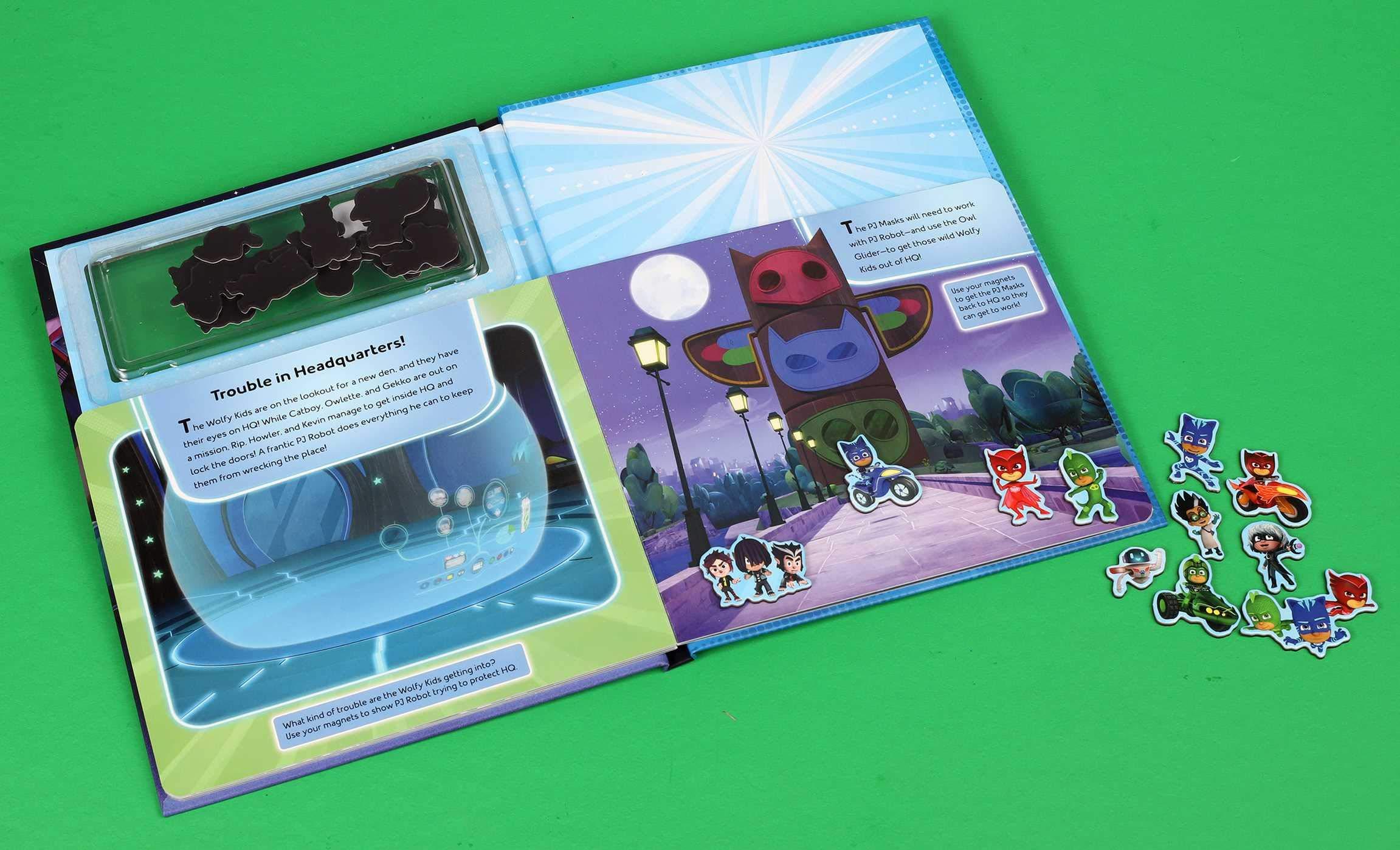 Pj Masks: Here We Go! Magnetic Hardcover: Amazon.es ...